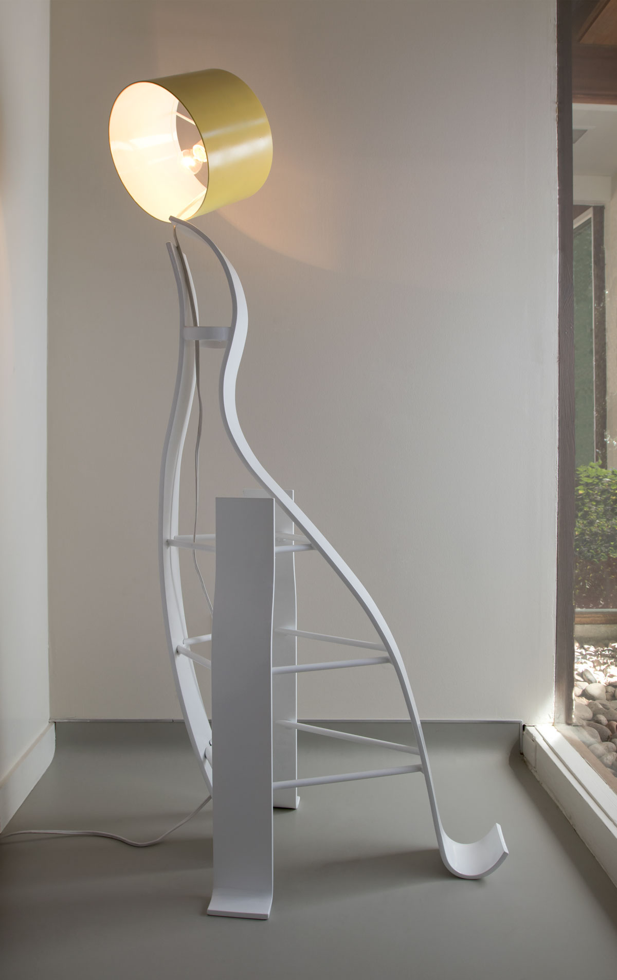 Seal Floor Lamp